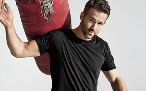 Picture sport, t-shirt, chain, photographer, actor, pear, Ryan Reynolds, Ryan Reynolds, journal, Mens Health, Ture Lillegraven