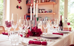 Picture table, candles, devices, glasses, champagne, serving