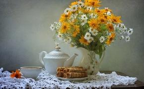 Picture kettle, tea, tube, bouquet