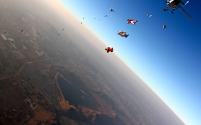 Picture flight, the city, the plane, jump, skydivers