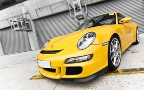 Picture class, yellow, German, Porshe 911