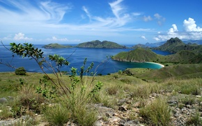 Picture sea, the sky, grass, Islands, clouds, mountains, Bay