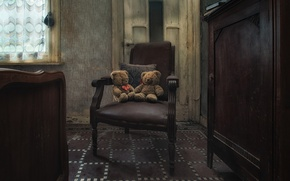 Wallpaper room, toys, chair, Teddy bears