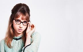 Picture retro, photoshoot, brand, Zoe Kazan, Warby Parker
