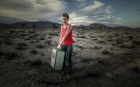 Picture girl, the situation, suitcase