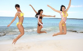 Picture girls, miss universe, miss canada
