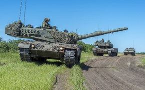 Picture road, tanks, Leopard 2A6