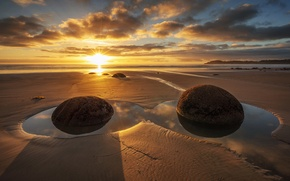 Picture sea, light, shore, morning