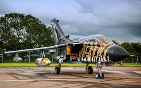 Picture the sky, fighter, German, bomber, the airfield, Panavia Tornado