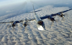 Picture Tu-95MS, The Russian air force, the aircraft carrier of cruise missiles X-55, Bear-H