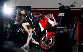 Picture Girl, Red, Ducati, Legs, Front, Nike, Shoes, Motocycle, Nice, Ligth, Katharina