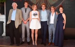 Picture Jennifer Lawrence, Josh Hutcherson, Julianne Moore, Sam Claflin, The Hunger Games:Mockingjay, Liam Hemsworth, Donald Sutherland, …