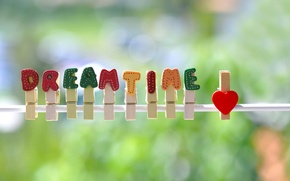 Picture background, clothespins, dreamtime