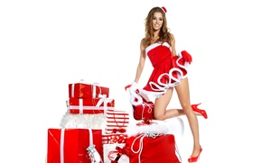 Picture brown hair, outfit, smile, gifts, girl