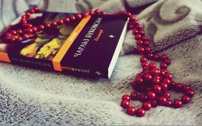 Picture red, grey, beads, book, Hollywood, Charles, Bukowski