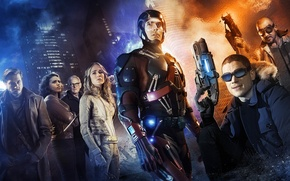 Picture Wentworth Miller, Dominic Purcell, characters, Caity Lotz, Heat Wave, Captain Cold, Legends of Tomorrow, Brandon …