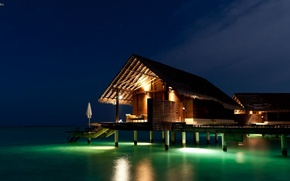 Picture light, night, the ocean, Bungalow