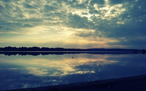 Picture clouds, lake, dawn, the sun's rays