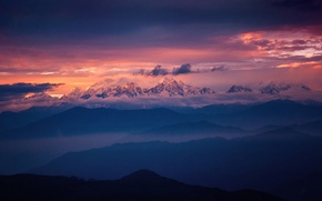 Picture the sky, light, mountains, tops