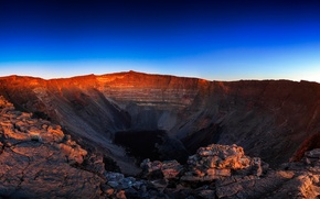 Picture the sky, the volcano, crater