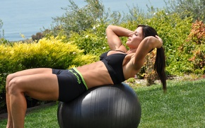 Picture outdoors, abs, workout, brunette, fitness, ball training