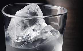 Picture ice, water, glass