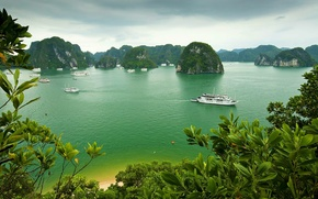 Picture sea, the sky, clouds, trees, mountains, rock, boat, ship, island, yacht, Bay, Vietnam, Halong Bay
