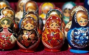 Picture toys, dolls, Souvenirs