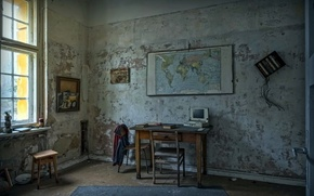 Picture table, map, window