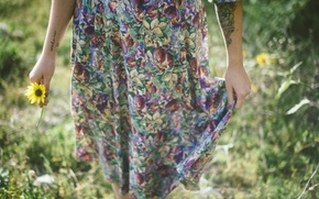 Picture flower, hands, dress, tattoo, tattoo, yellow petals