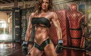 Picture pose, female, bodybuilder