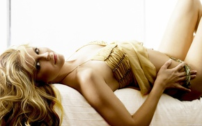 Wallpaper Heidi Klum, look, blonde, bed, posture