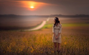Picture road, field, girl, the sun