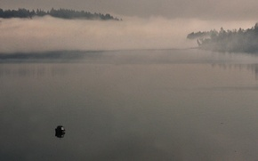 Picture fog, boat, morning mist