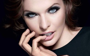 Picture eyes, look, girl, face, style, hand, milla jovovich, aktrisa