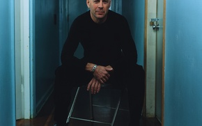 Picture castle, wall, the door, chair, Bruce Willis, Bruce Willis