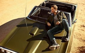 Picture look, Paul Walker, actor, Paul Walker, sand, male, shadow, machine, sitting