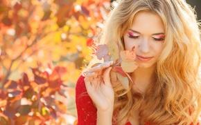 Wallpaper leaf, look, makeup, girl, blonde, smile, autumn