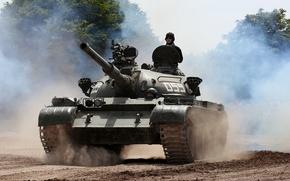 Picture tank, Soviet, average, T-55