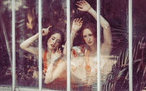 Picture glass, girls, hands, face