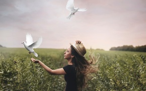 Picture girl, freedom, pigeons