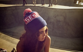 Picture girl, the sun, face, background, people, Wallpaper, street, mood, hat, brunette, curls