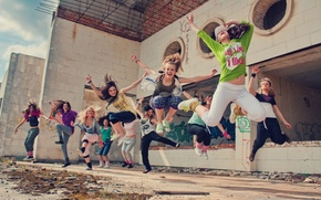Picture girl, flight, joy, happiness, movement, people, situation, jump, Wallpaper, dance, in the air, jumping, action. …