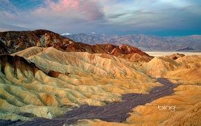 Picture the sky, clouds, mountains, CA, USA, National Park Death Valley, Zabriskie Point