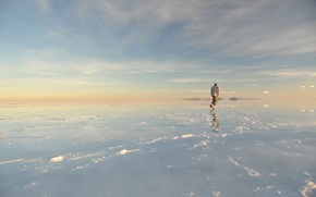 Picture water, people, Salar de uyuni, Bolivia, salt marsh