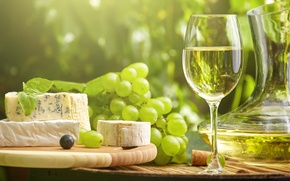 Picture the sun, wine, cheese, grapes, wine, grapes, cheese