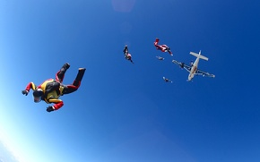 Picture the sky, the plane, parachute, container, helmet, skydivers, parachuting, the freefly