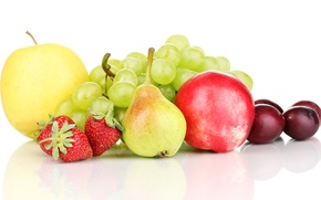Picture berries, apples, strawberry, grapes, fruit, plum, pear