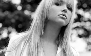 Picture black and white, blonde, Arielle Kebbel