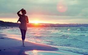 Picture sand, sea, water, girl, the sun, sunset, traces, background, people, widescreen, Wallpaper, mood, wave, wallpaper, …